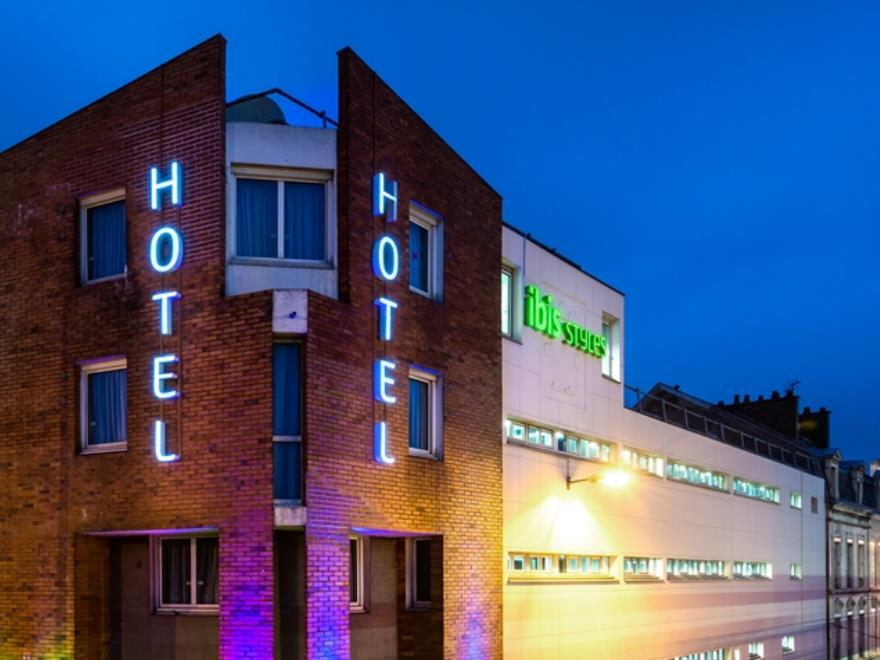 H tel restaurant ibis styles reims centre cath drale reims for Hotels reims