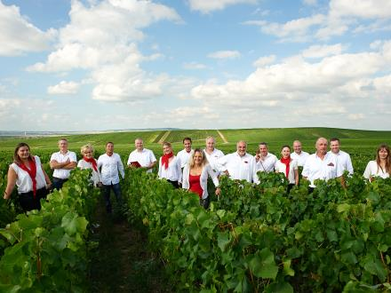 Photo-officielle-des-vignerons