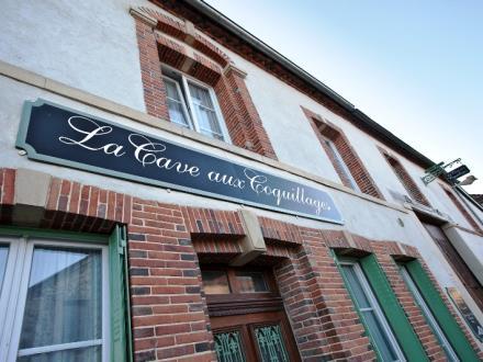 cave-aux-coquillages-fleury-la-riviere-facade