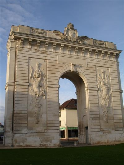Sites et monuments tourisme ch lons en champagne for Garage a chalons en champagne