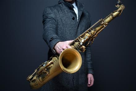 saxophone httpspixabay.comfrsaxophone-sax-lecteur-musicien-918904