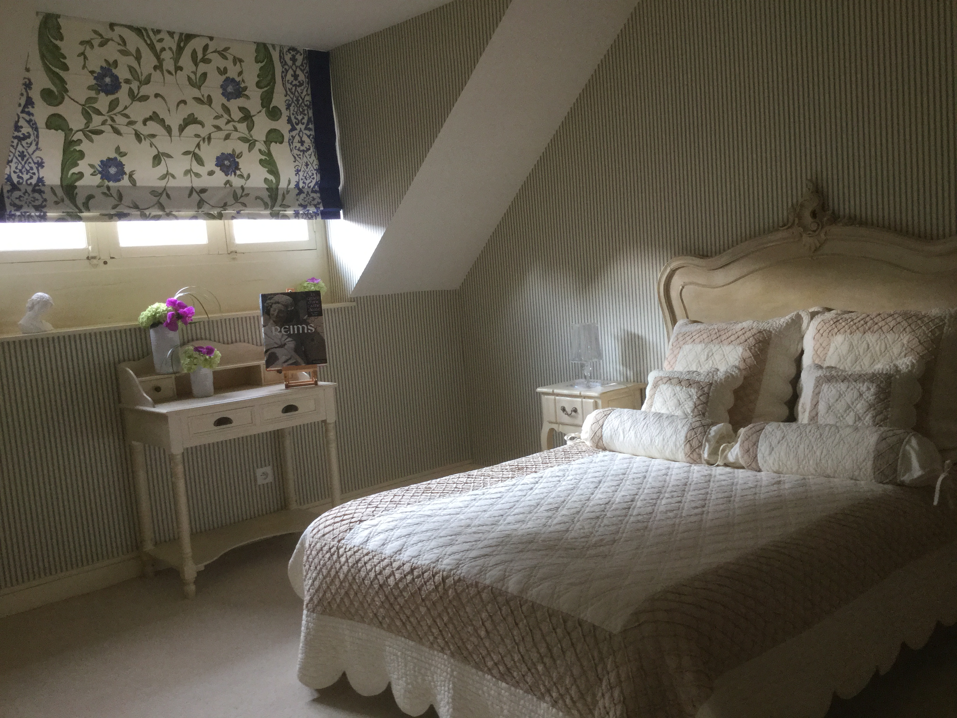 le clos des roys reims bed and breakfast. Black Bedroom Furniture Sets. Home Design Ideas