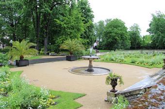 Jardin de l'Hôtel de Ville Epernay